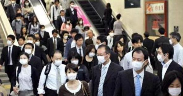 「城市街頭戴口罩」的圖片搜尋結果